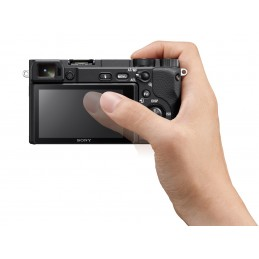 Sony α Alpha 6400 con obiettivo 16-50mm, mirrorless APS-C con Real-Time Eye AF